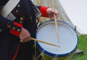 drummer-hands-with-sticks-1307553-638x443