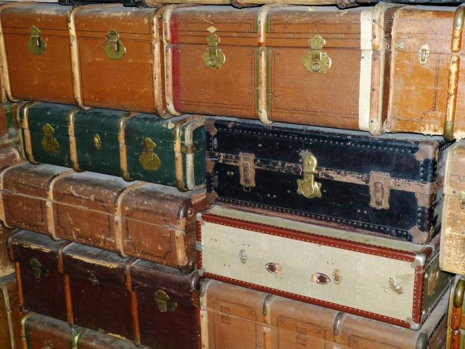 luggage-533609_1920